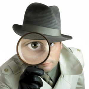 detective-with-spy-glass-R-300